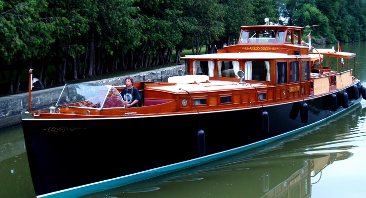 Consolidated commuter yacht dolphin for Vintage motor yachts for sale
